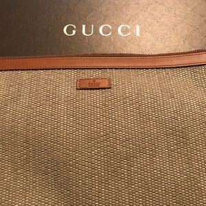 Authentic Gucci pouch/clutch